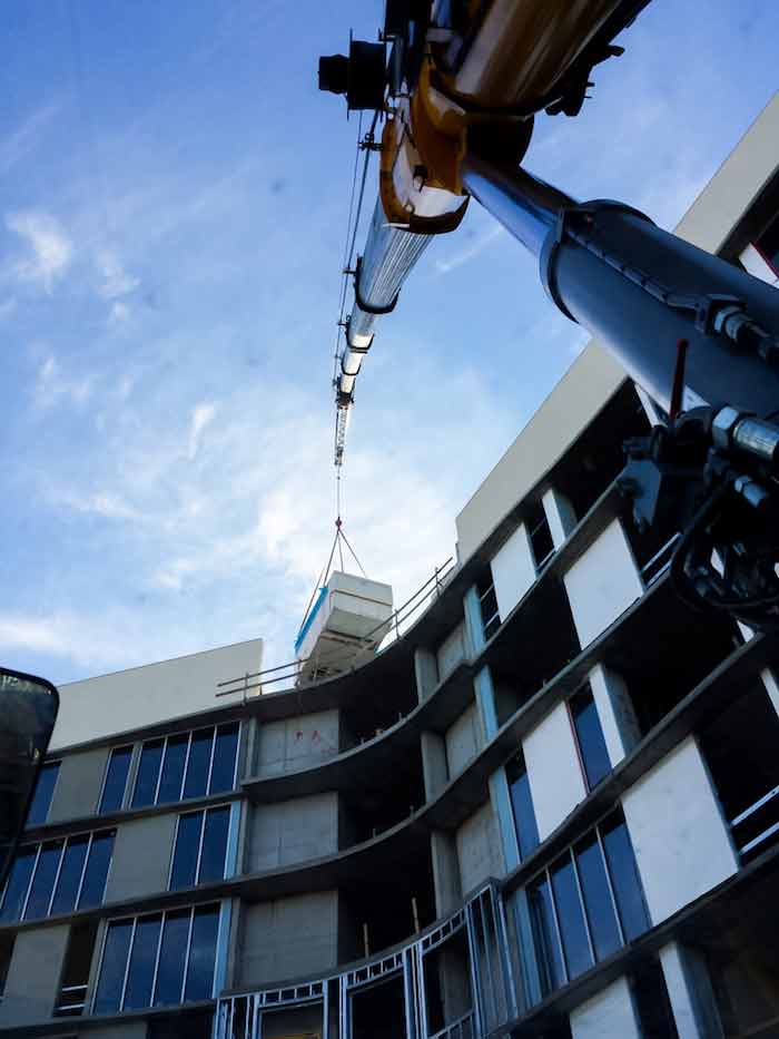 Tampa Crane Operator Tampa Crane Service - Heavy Lifting and Rigging